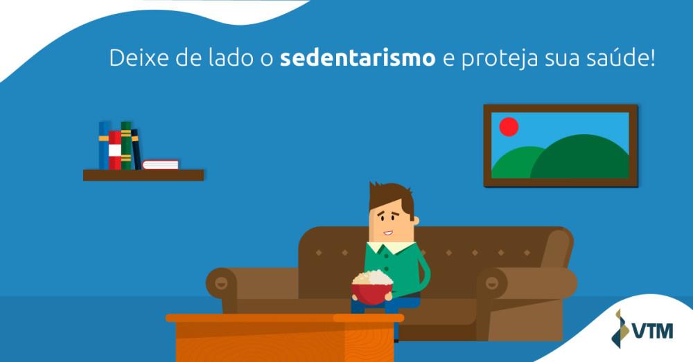 pessoa no sedentarismo sentada no sofá
